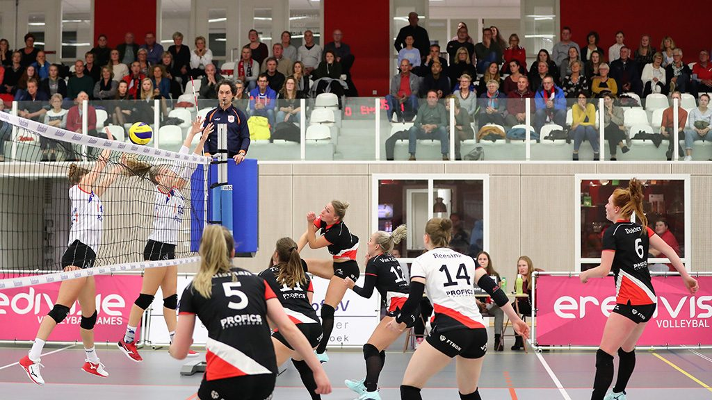 Tweede overwinning op rij voor Dames 1 in thuiswedstrijd tegen VC Sneek.