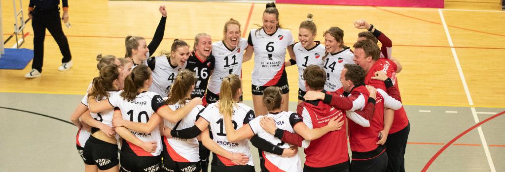 Apollo 8 bereikt na een 1-3 overwinning op Regio Zwolle Volleybal voor de tweede keer in de historie de bekerfinale.